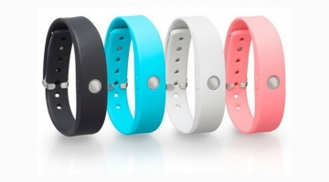 Toshiba activity tracker set for US launch
