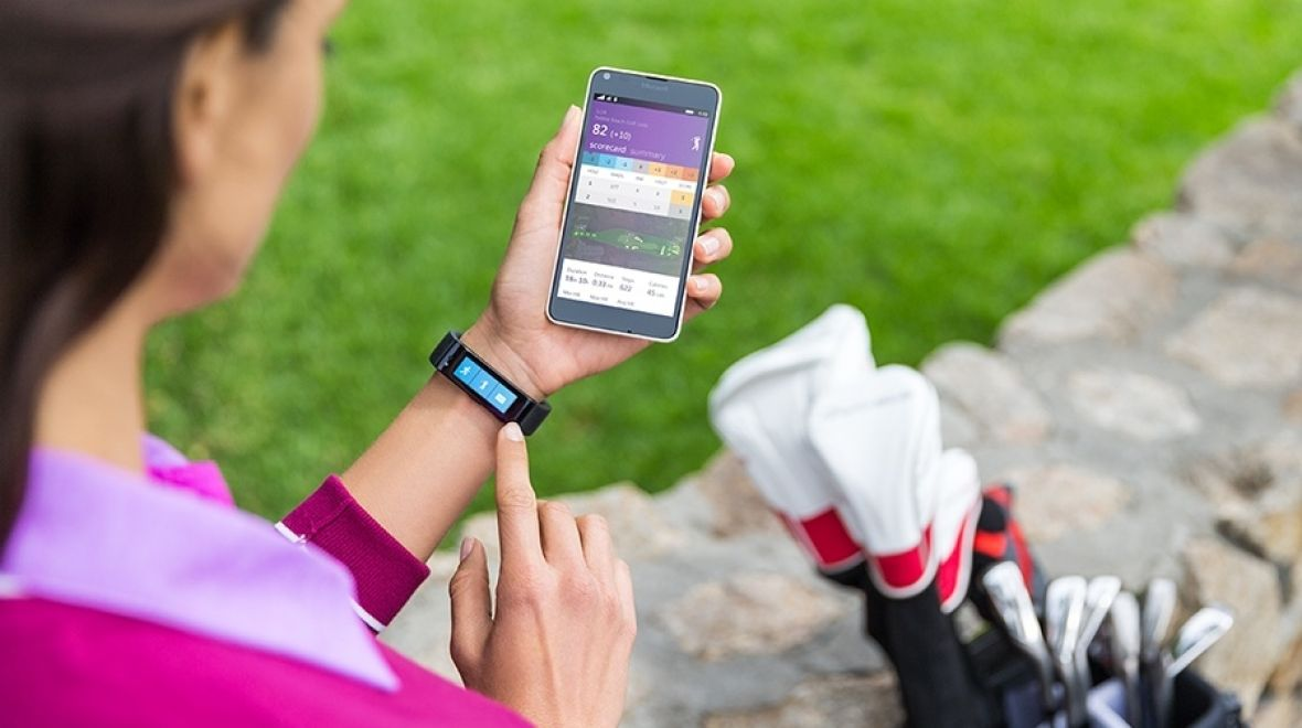 Microsoft Band golf features land