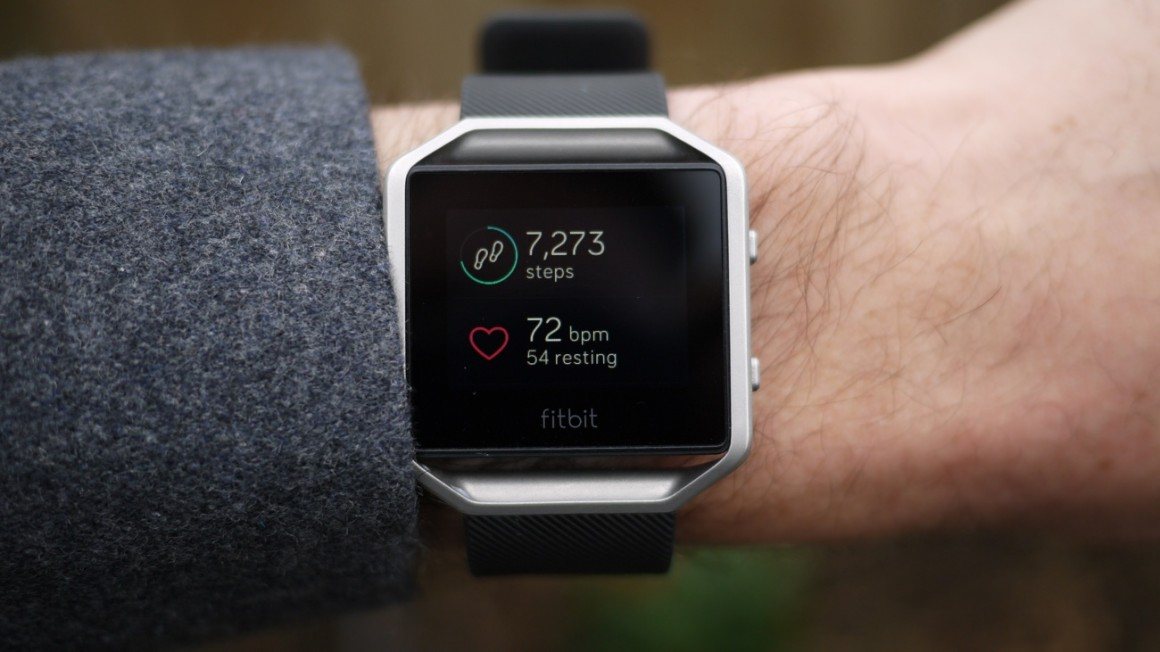 Fitbit Blaze review : Fitbit's smartest device yet is ...