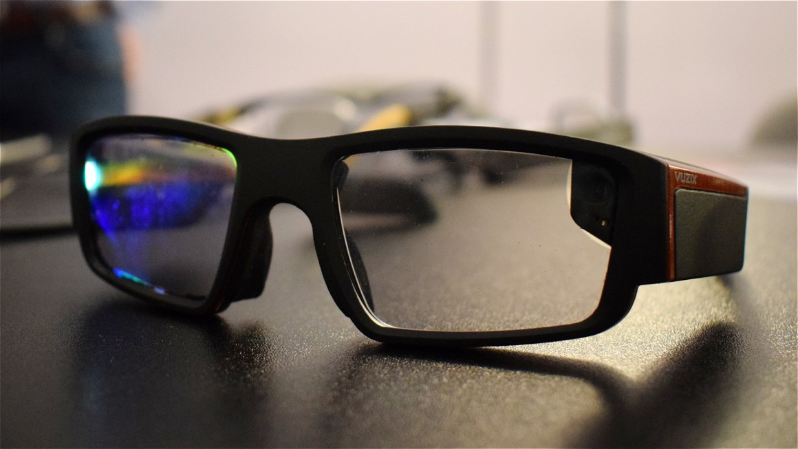 Trying Vuzix Blade 3000, the smartglasses that want