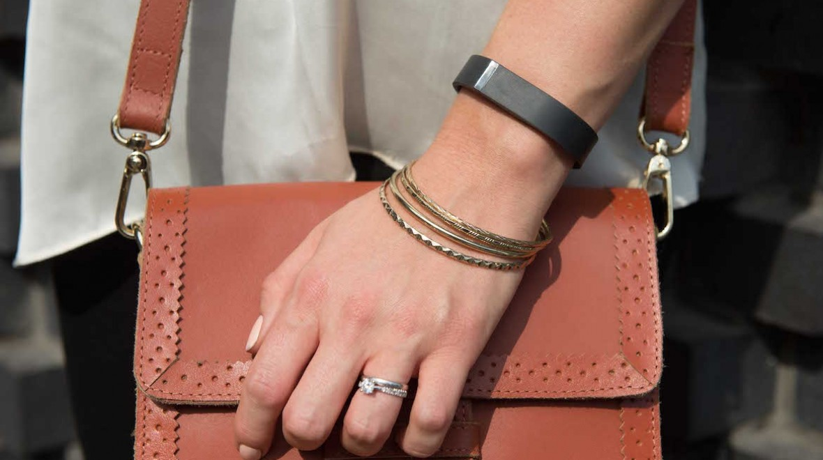 Fitbit Flex now contains health warning