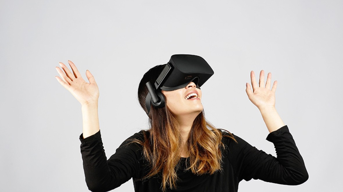 Oculus Rift heads to brick-and-mortar stores