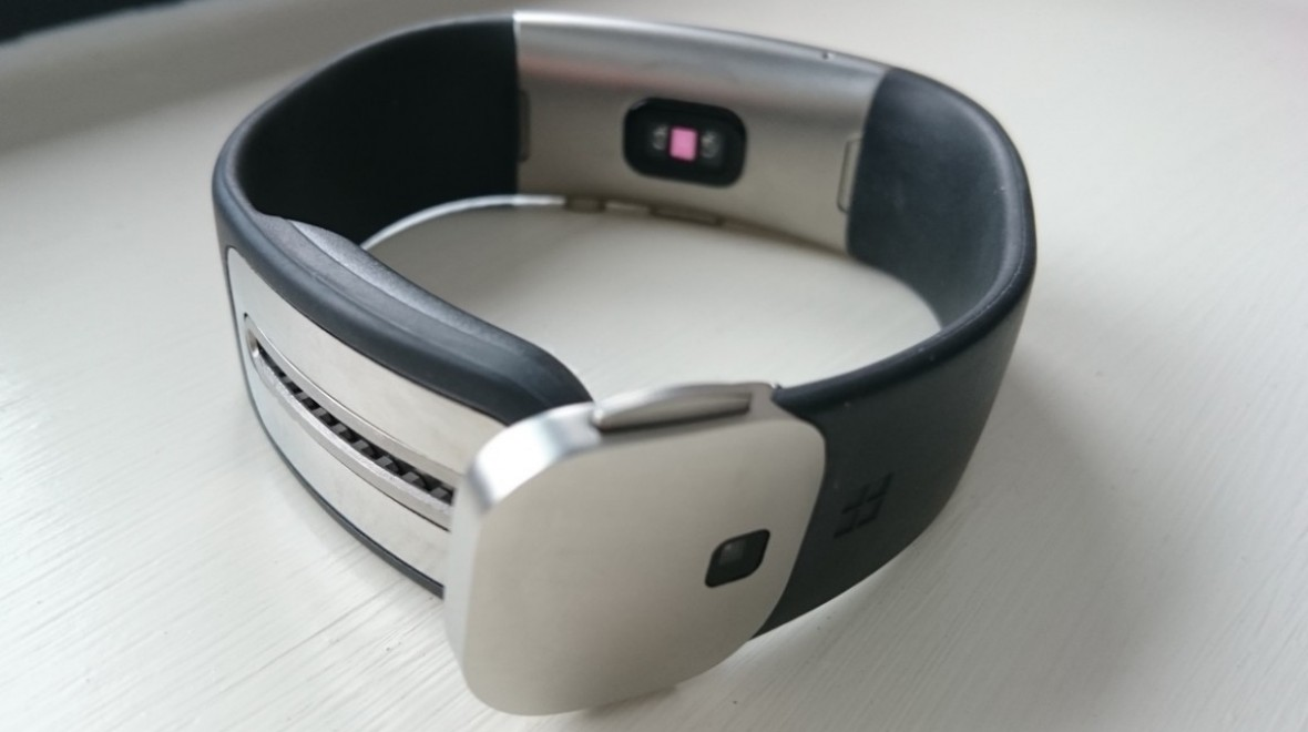 Microsoft Band 2 strap tear troubles