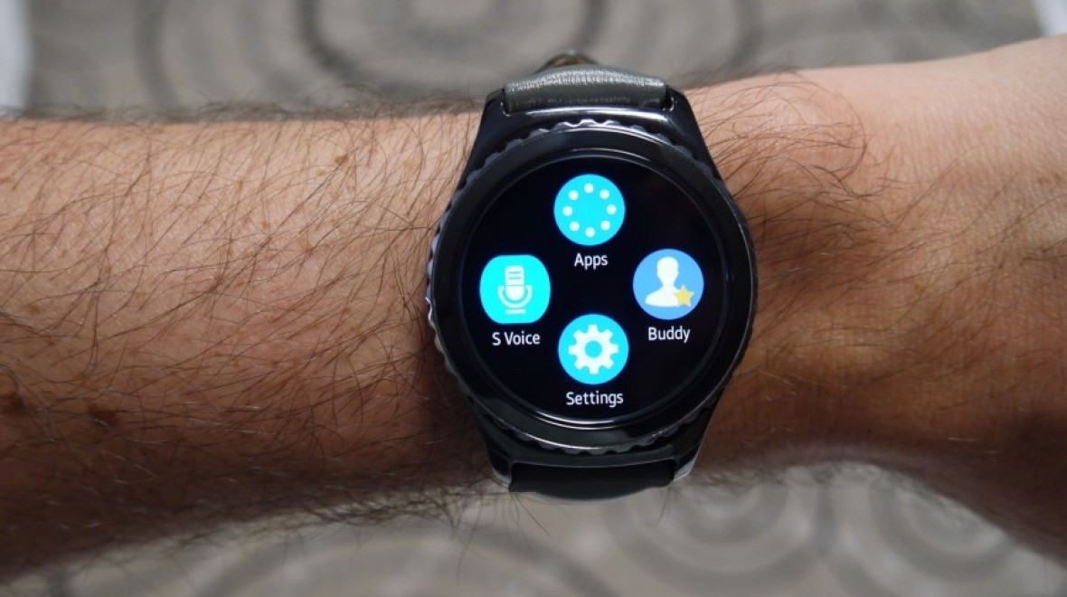 Samsung Pay is now available on Gear S2