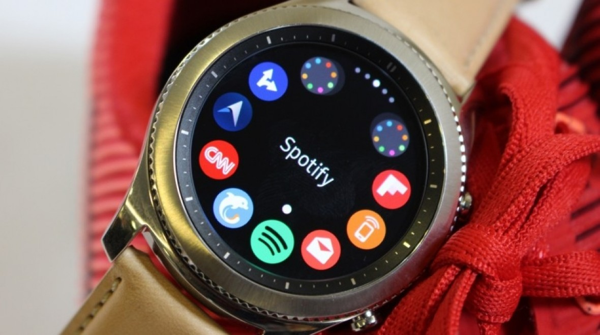 Spotify arrives on Samsung Gear S3