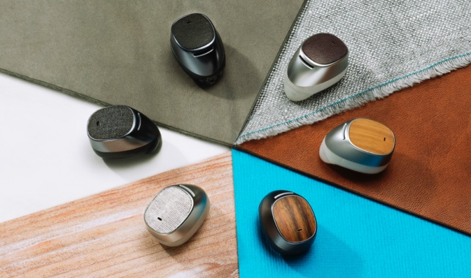 Moto Hint earbud on sale soon