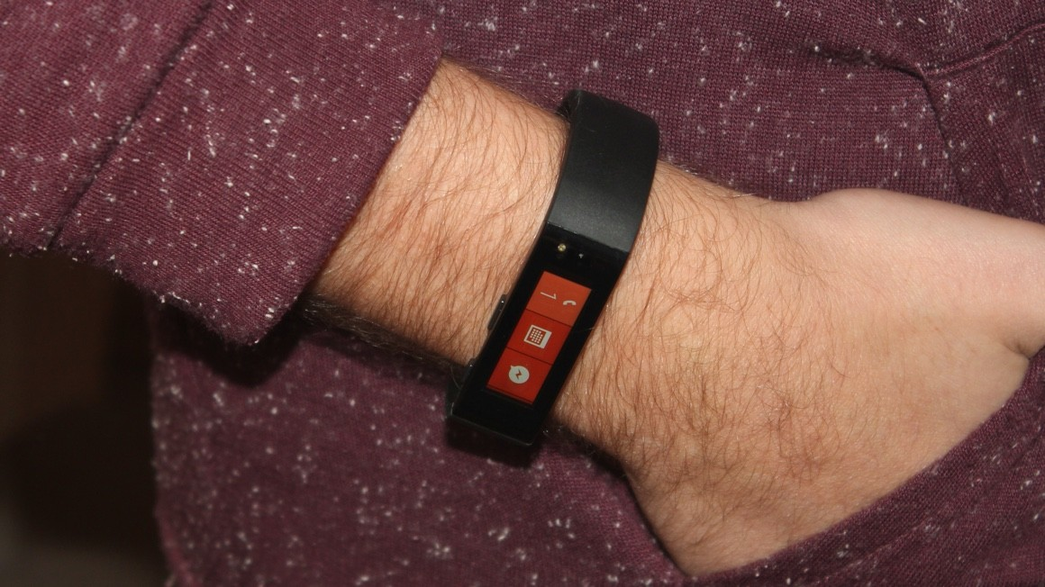 Microsoft Band sold out online until 2015