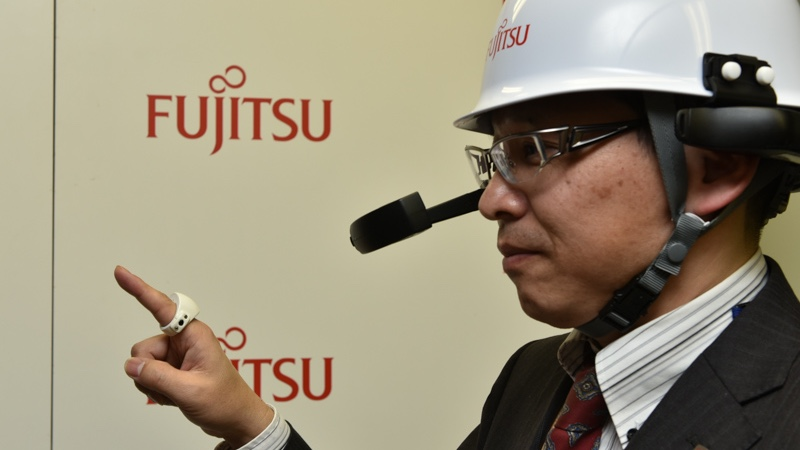Fujitsu smart ring lets you write in the air
