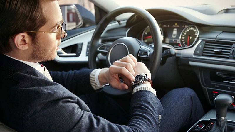 Smartwatches distracting to drivers