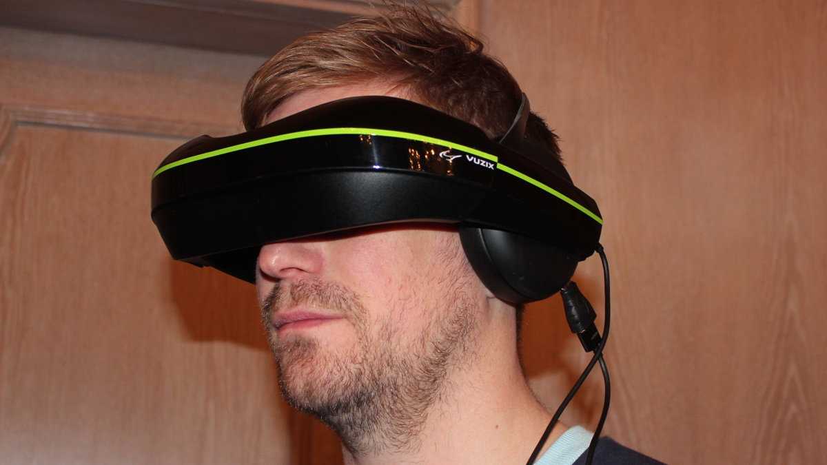 Vuzix IWear 720 first look