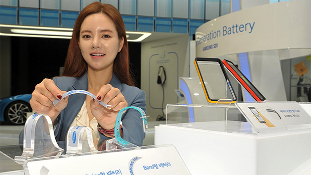 Samsung reveals bendy battery prototypes