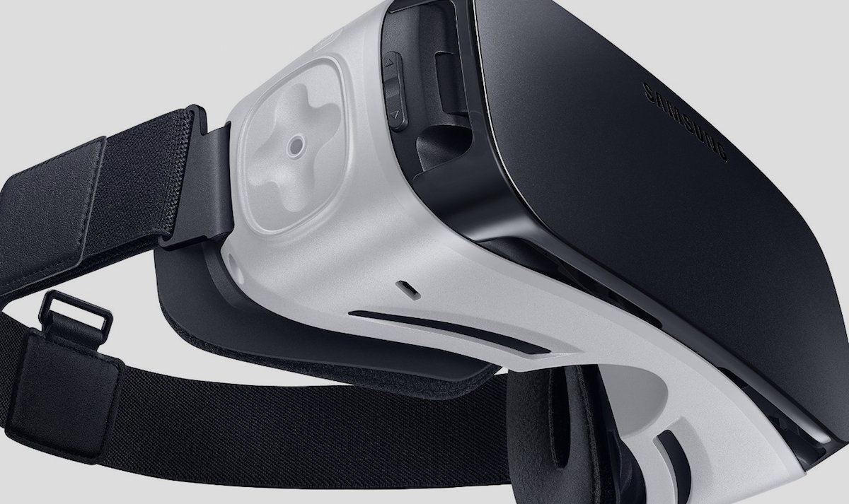 Samsung Gear VR hits UK stores for £80