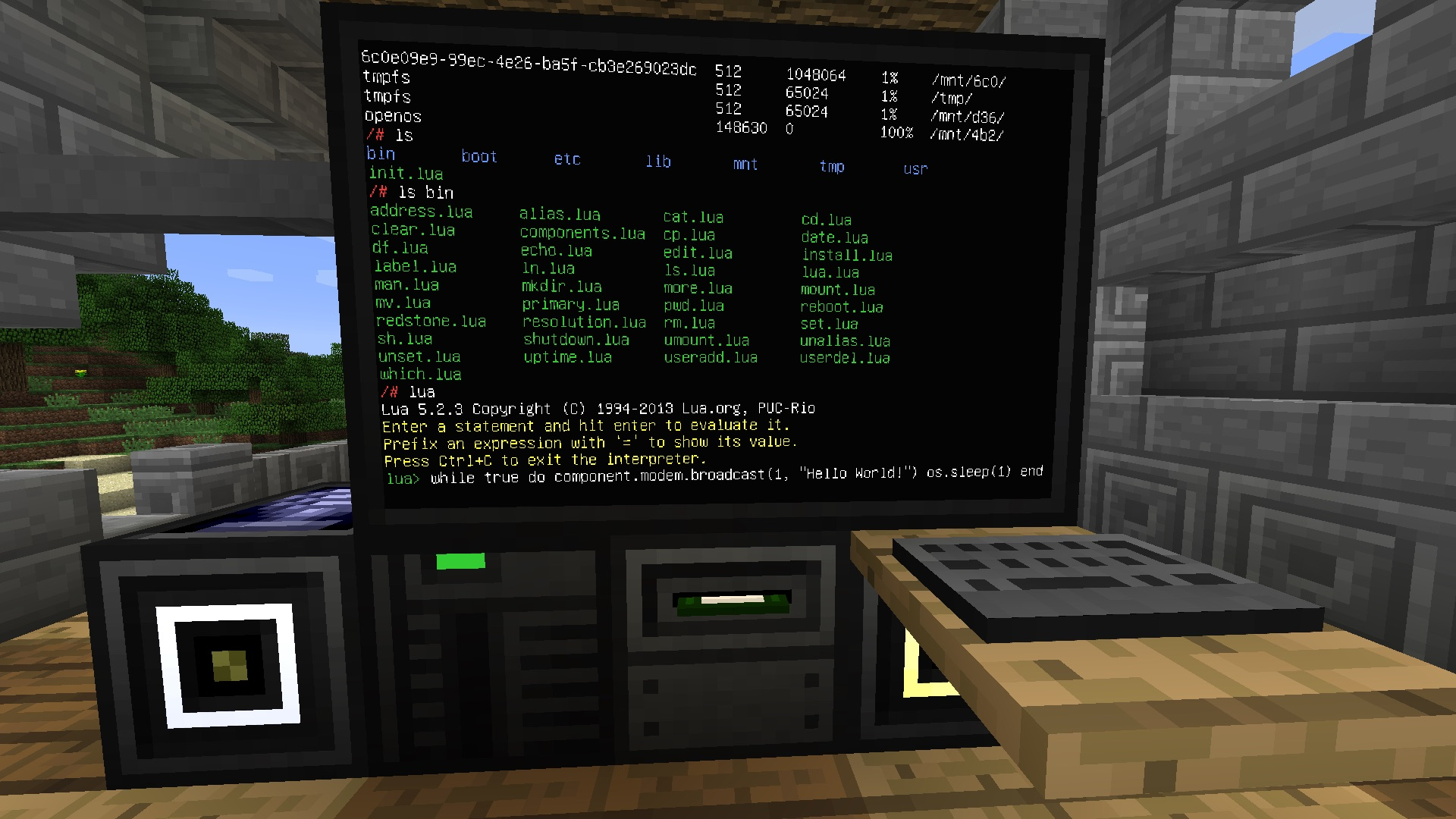 This Minecraft hack turns on your smart bulb