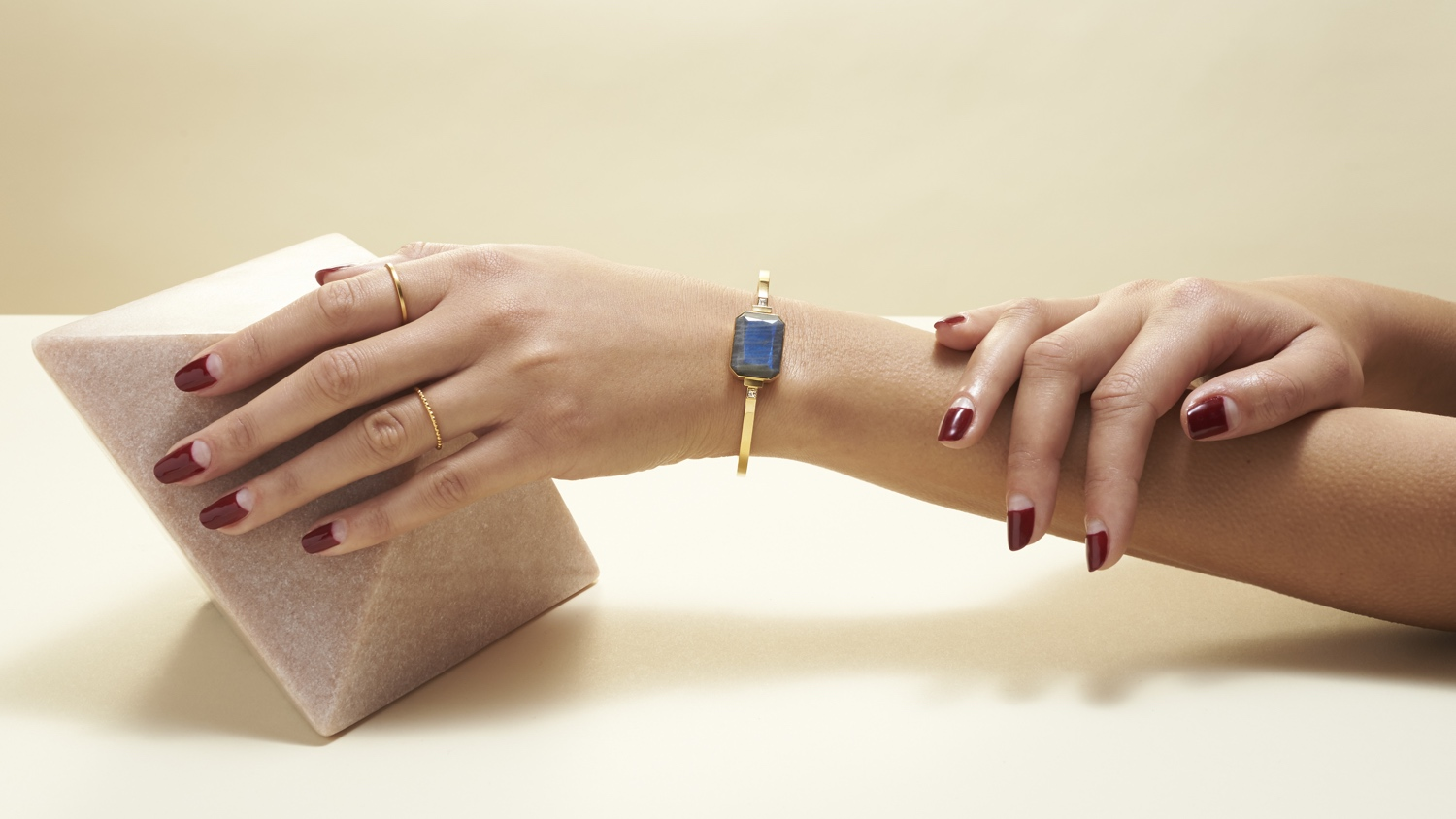 Ringly CEO talks new smart bracelet