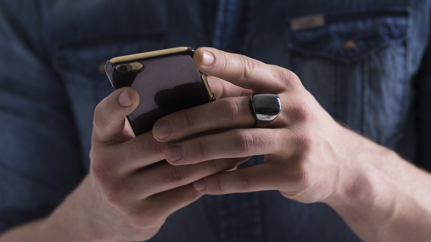 Oura's sleep tracking smart ring