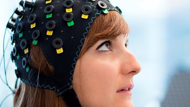 Locked-in patients chat with brain cap