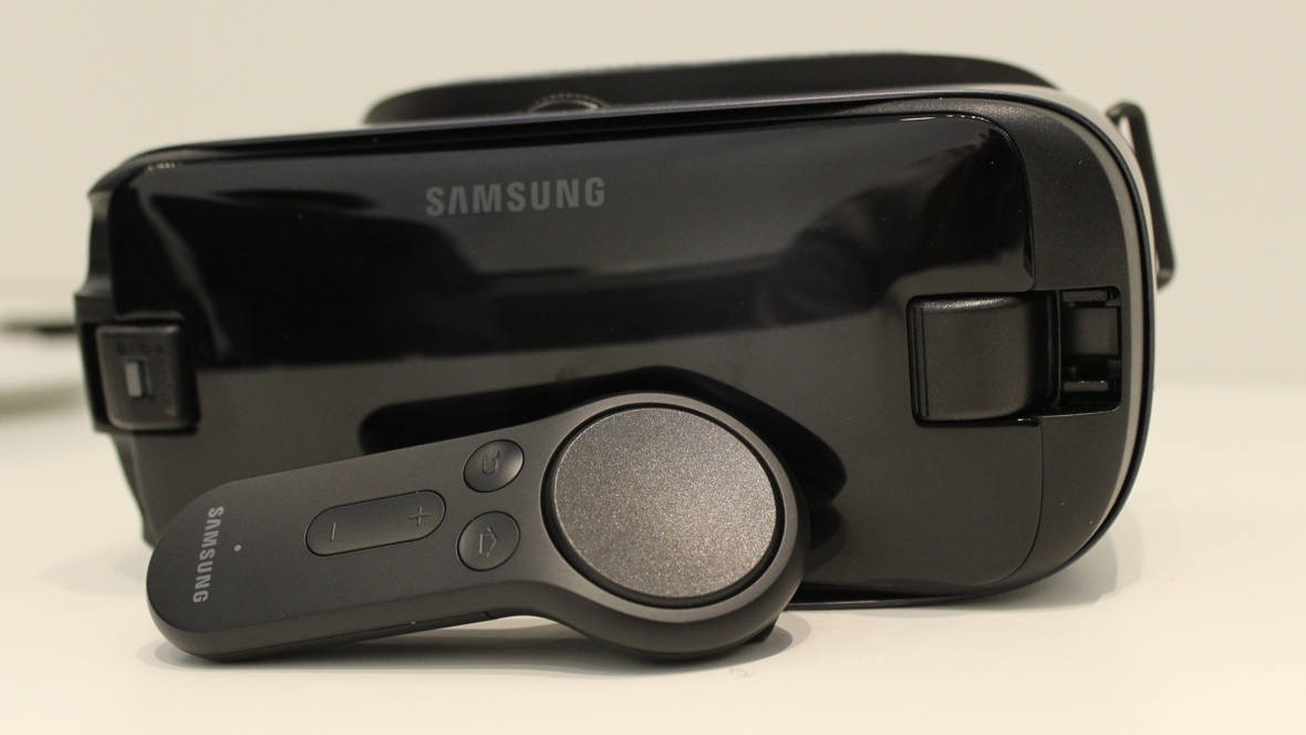 Samsung Gear VR just got a controller