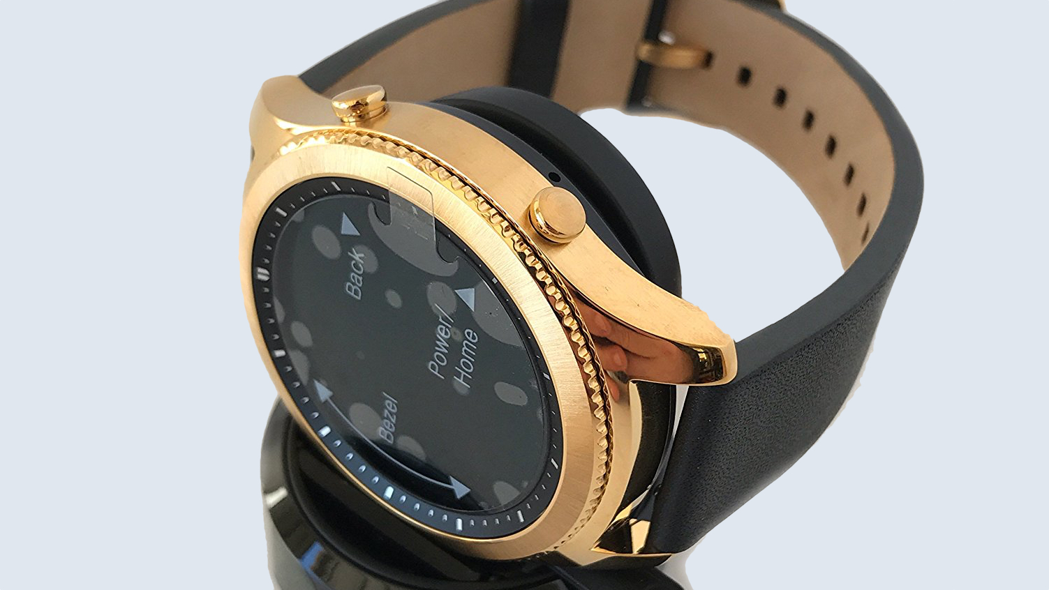 Samsung Gear S3 Classic is going for gold