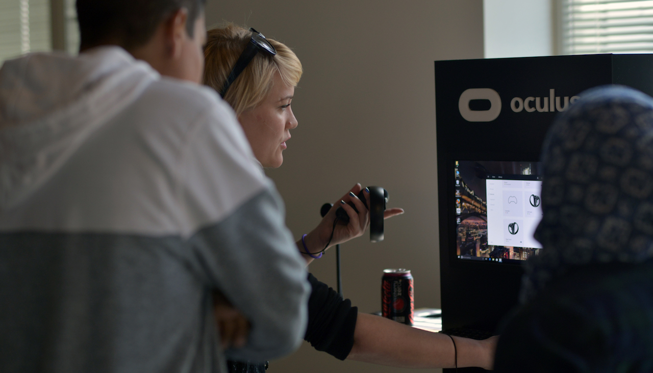 Oculus puts Rifts in bunch of libraries