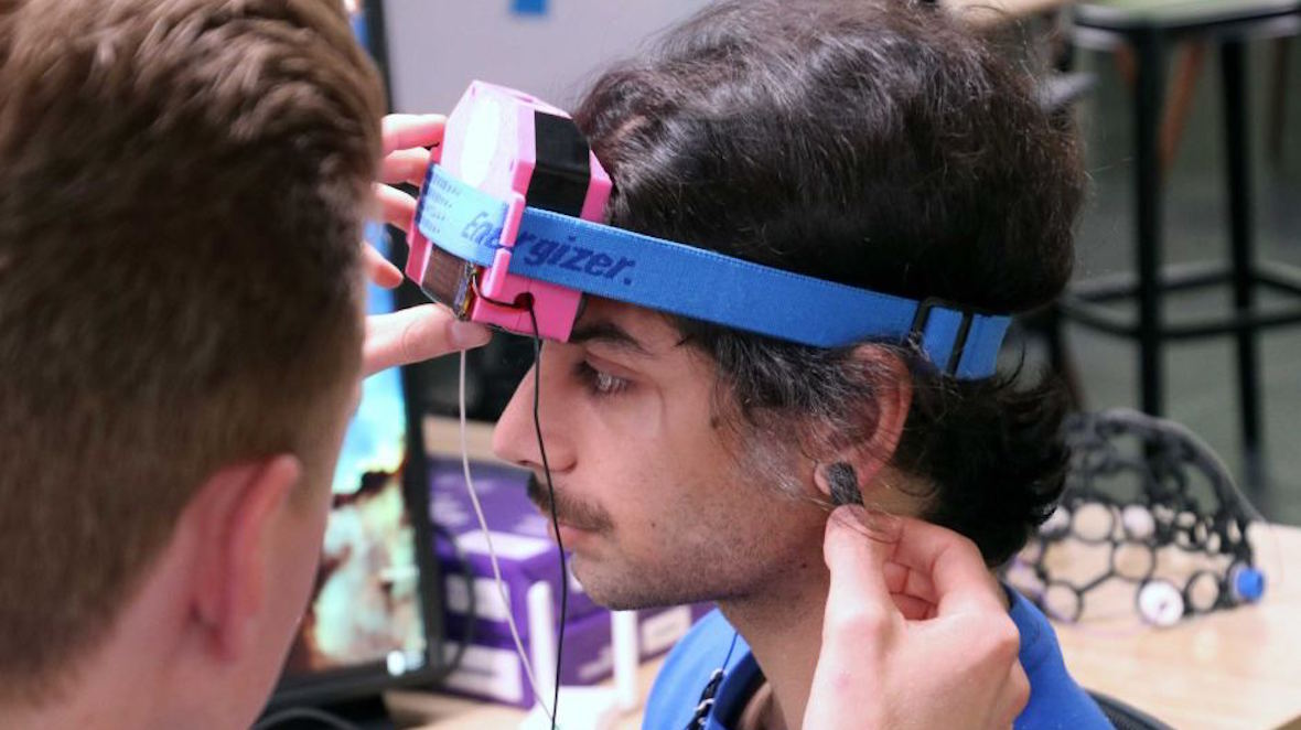 Researchers' brain-stimulating wearable