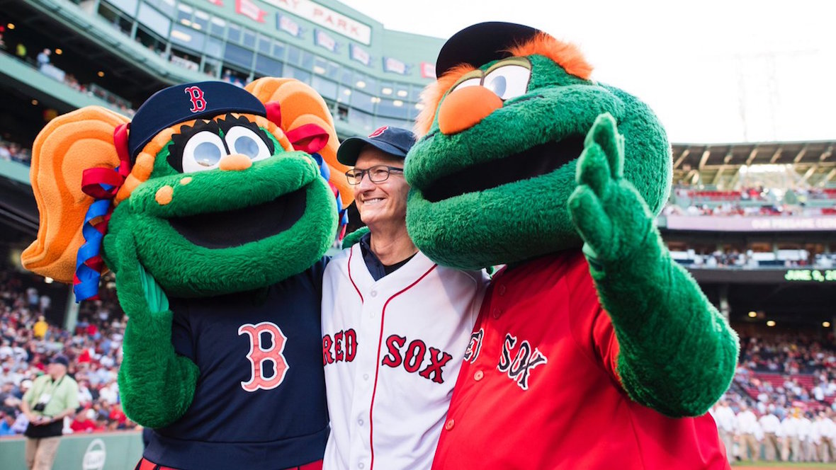 Boston Red Sox cheat with Apple Watch