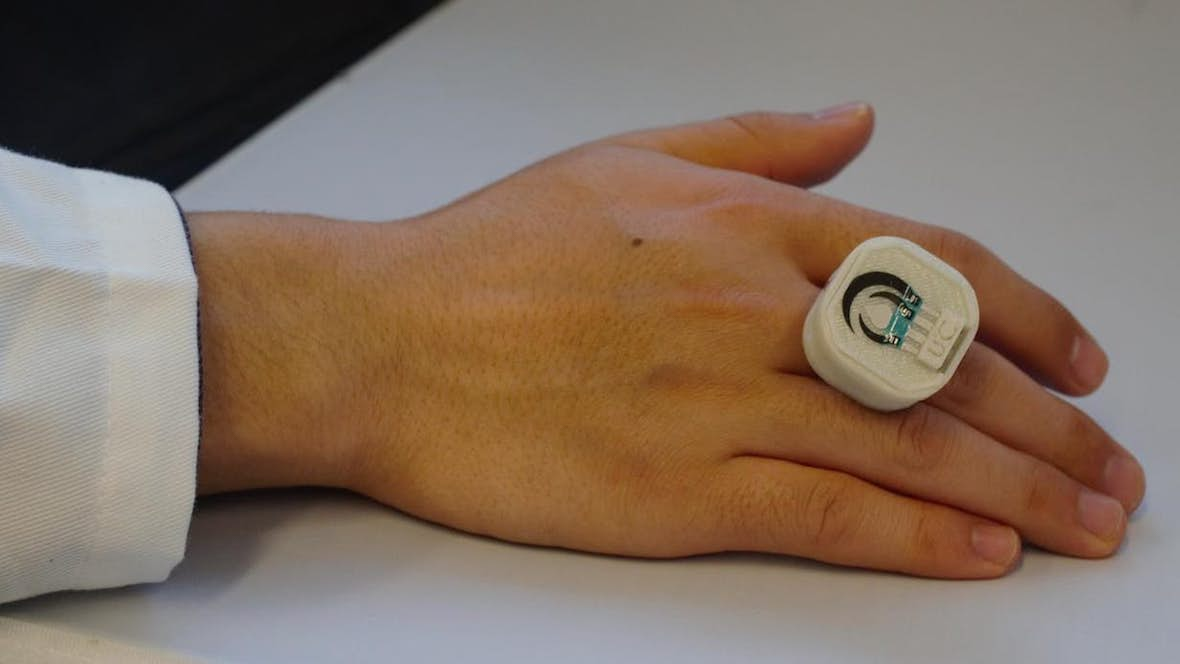This ring detects explosions