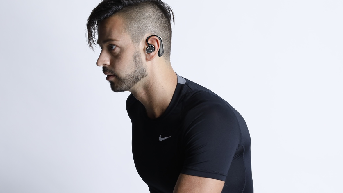Run coach headphones to fix your form