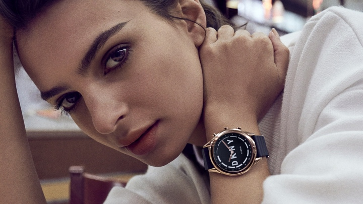 Apple and Fossil's wearable wins