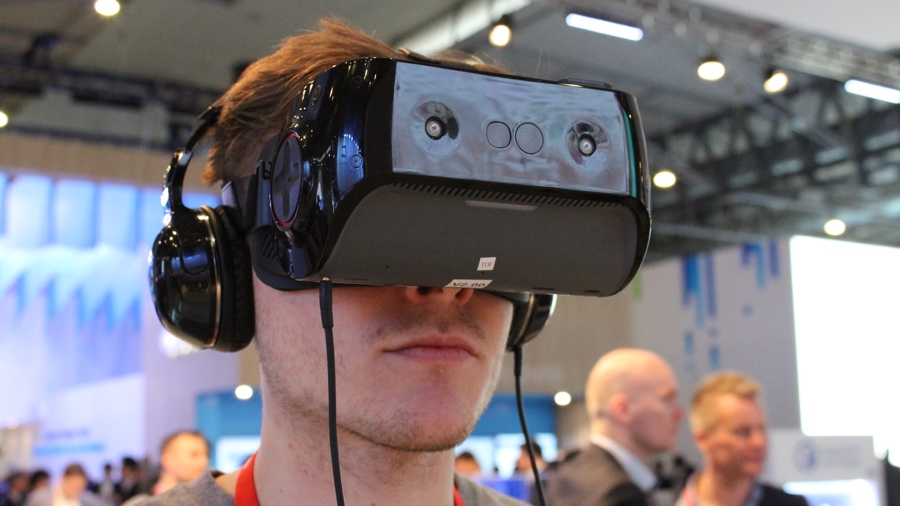 Trying Qualcomm's mobile VR headset