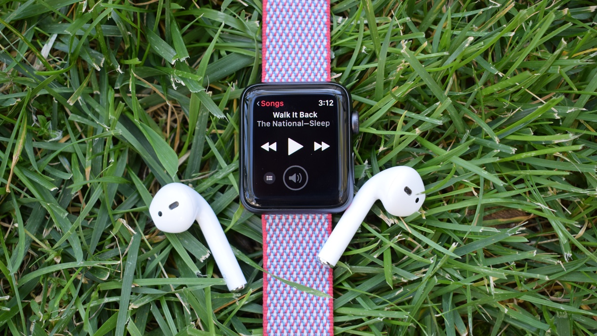 Apple leads wearable surge