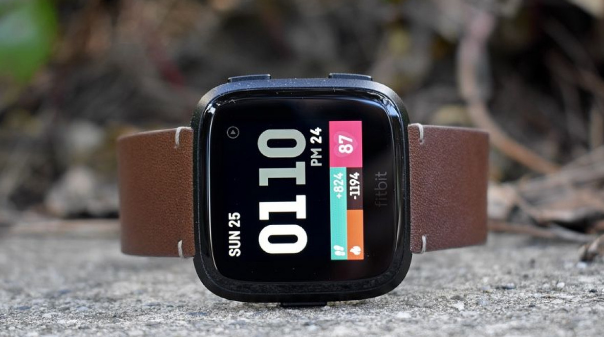 Fitbit Versa drops to $149 for Black Friday