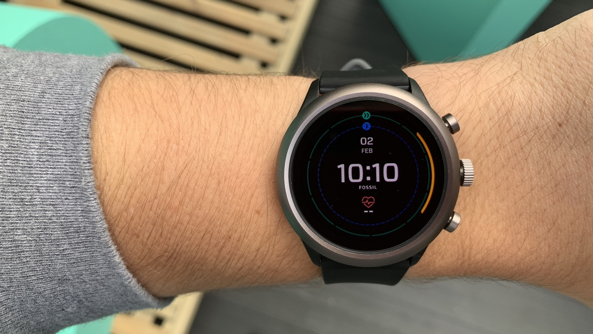 fossil sport first look a sporty smartwatch that doesn 39 t forget about keeping it stylish. Black Bedroom Furniture Sets. Home Design Ideas