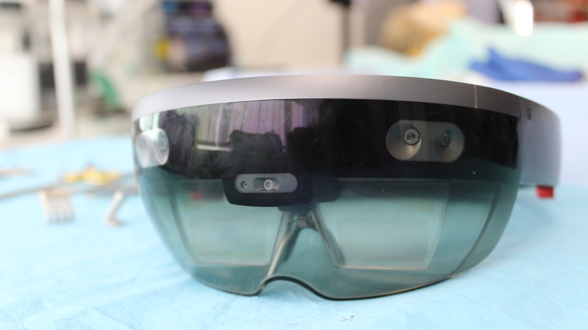 US Army awards Microsoft $480m contract for special HoloLens headsets