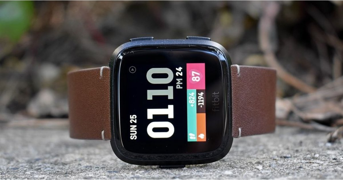 Fitbit Versa drops to $125 on Amazon