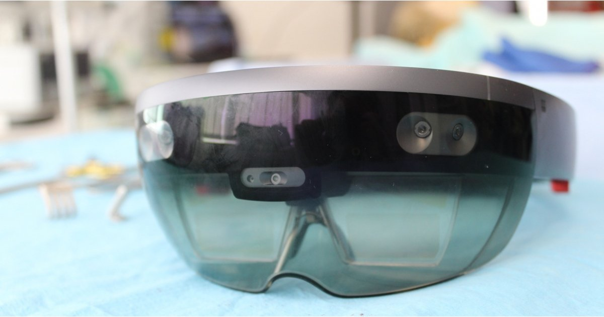 Employees demand Microsoft end HoloLens contract with US Army