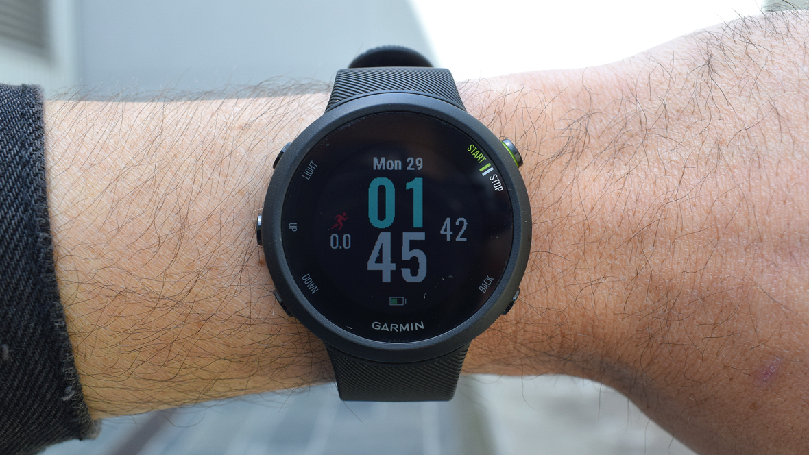 6a3424510 Garmin's Forerunner 45 and 45S will meet the needs of big and small ...