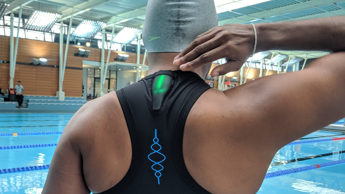Swimming with a wearable to fix your form
