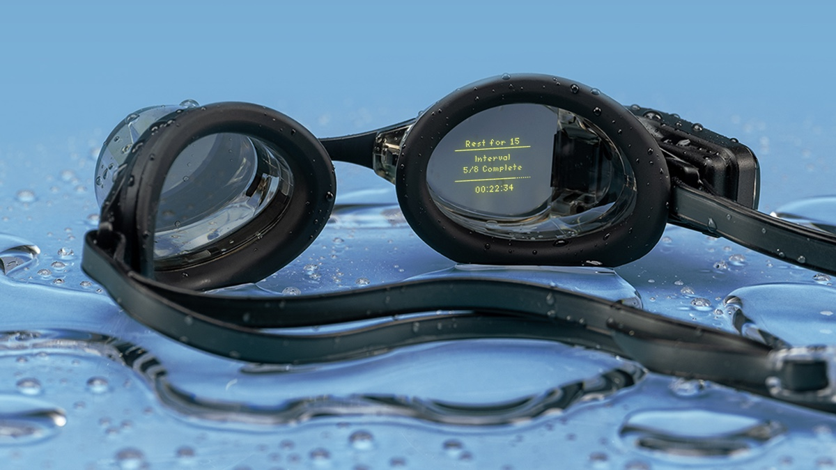 Form swim goggles get guided workouts