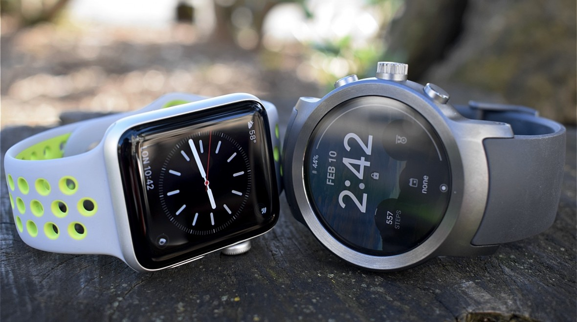 Apple Watch v Wear OS