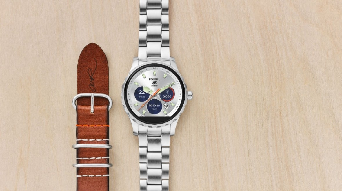 Fossil Q gets Cory Richards edition