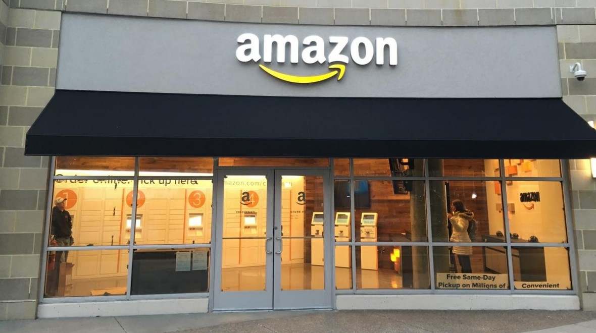 Amazon could open up AR and VR stores