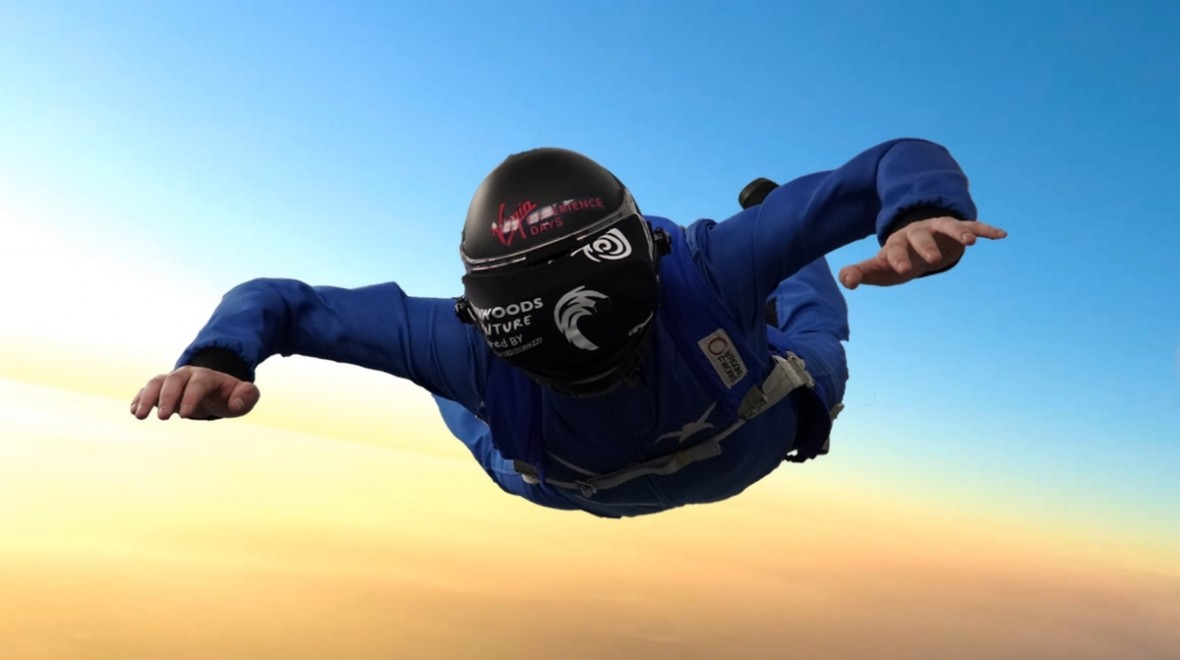 This is what skydiving in VR feels like
