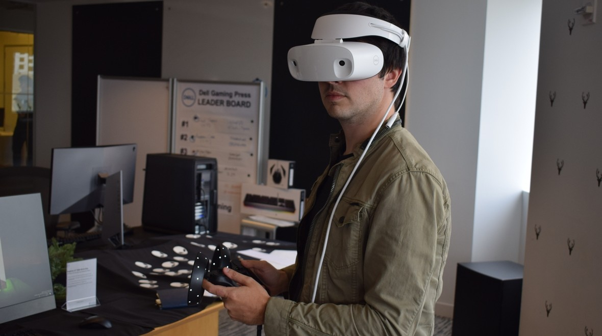 Dell's VR headset puts comfort first