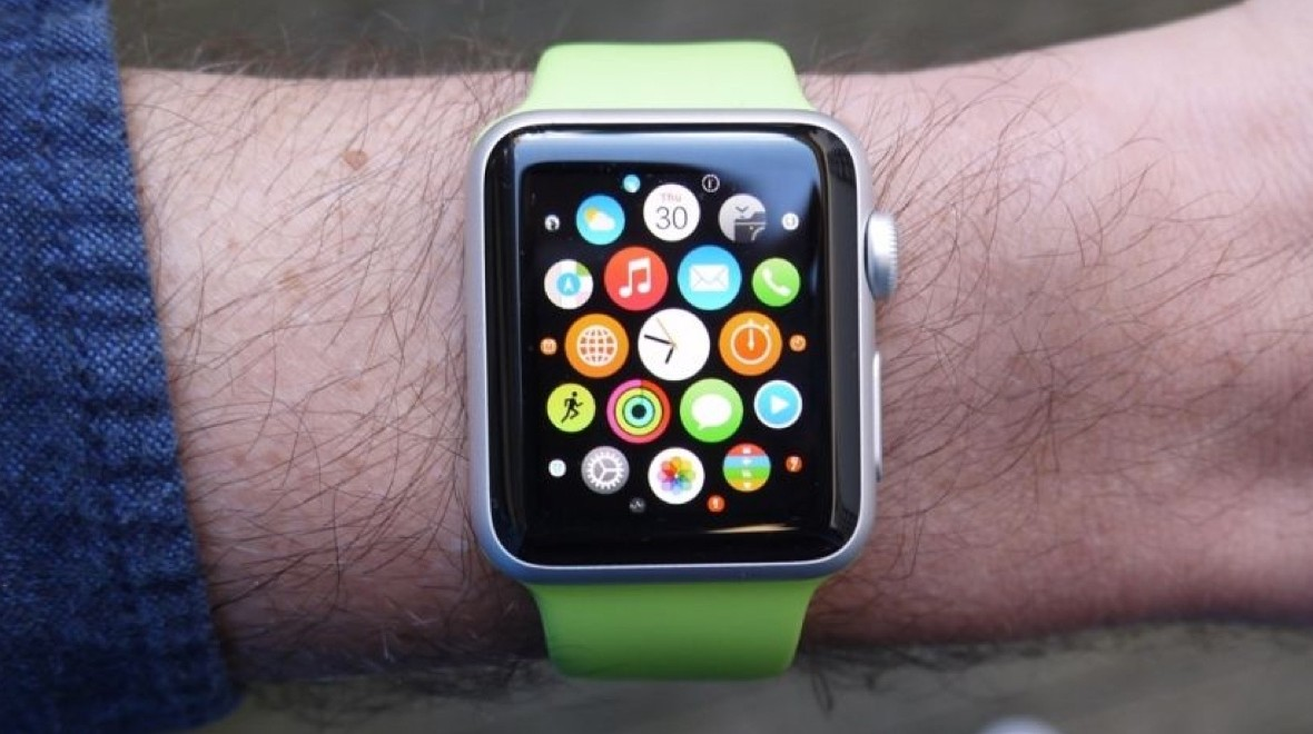 Apple Watch poised to lead market in 2018