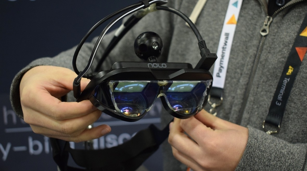ANTVR's glasses bring SteamVR to AR