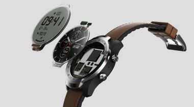 TicWatch Pro doubles up on watch screens