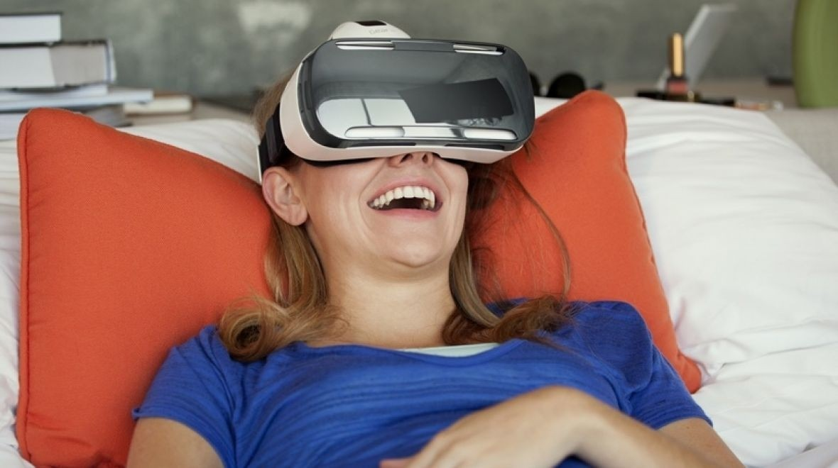Samsung redesigns Gear VR for the Galaxy S6