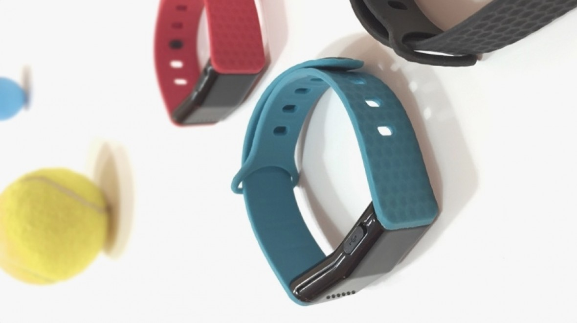 Pulse Play tennis wearable smashes target