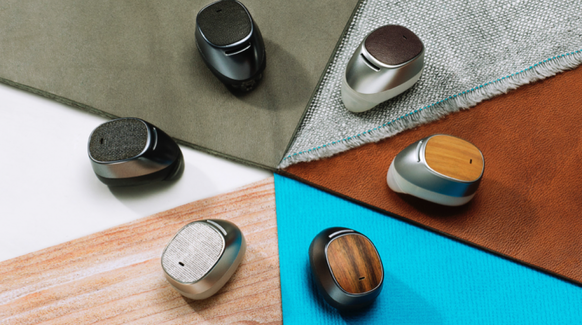 Moto Hint wants to whisper into your ear