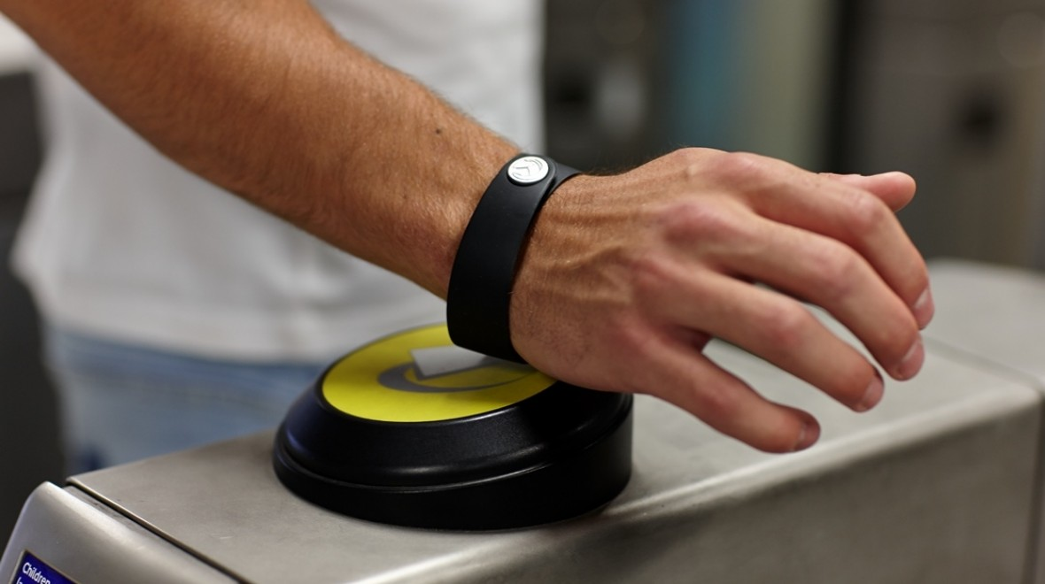 The band that lets you pay from your wrist